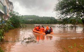 Aumentan a 138 las muertes por las lluvias en el oeste de India