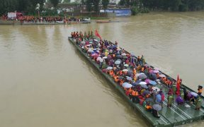rescatan-cuatro-cuerpos-hombre-vida-atrapados-tras-lluvias-torrenciales-china