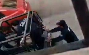 Suspenden a policías por golpear a mujer durante arresto en Tabasco; colectivos exigen localizar a la víctima