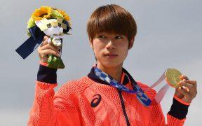 El japonés Yuto Horigome logró el primer oro olímpico en patineta de la historia. (Foto: Reuters).