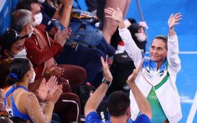 Chusovitina recibió una ovación de pie de los pcoos presentes en el gimnasiio, (Foto: Reuters).