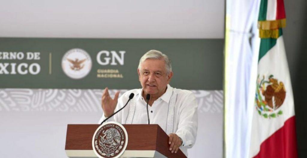 """AMLO anuncia un presupuesto extra de 50 mil mdp para """"consolidar"""" a la Guardia Nacional"""