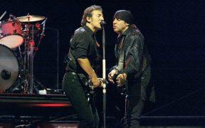 De rockero a mafioso; Steven Van Zandt asegura que Bruce Springsteen lo ayudó a interpretar su papel en 'Los Soprano'