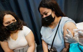 Trabajadores de la salud deben vacunarse contra la Covid antes del 27 de septiembre: gobierno de Nueva York