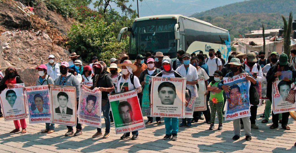 Uno de los detenidos por la desaparición de normalistas de Ayotzinapa muere por Covid-19