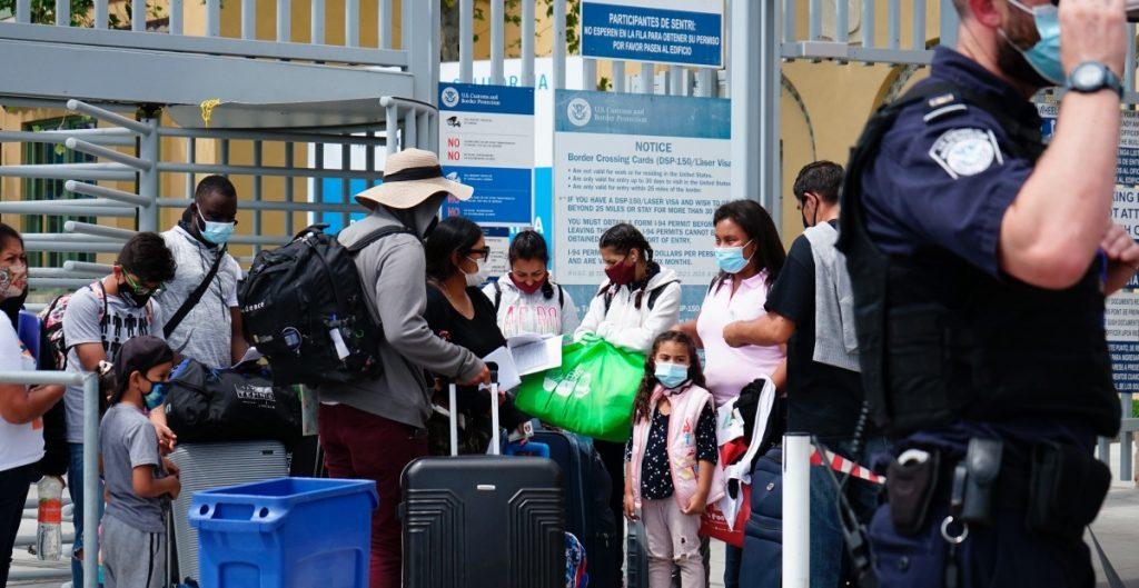 EU anuncia reanudación de las deportaciones exprés de algunas familias migrantes