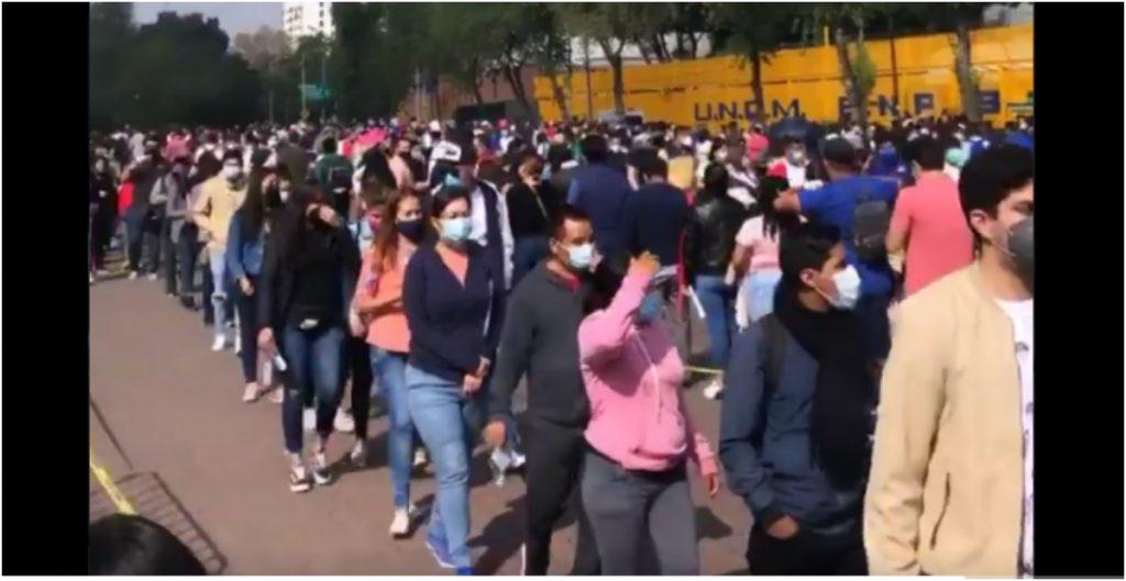 """""""Esta etapa no fue óptima"""", admite Clark tras largas filas en Xochimilco; descarta que aglomeración fuera por aplicación de Pfizer"""