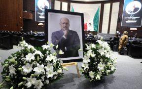 legisladores-realizan-homenaje-cuerpo-presente-rene-juarez-coordinador-pri-camara-diputados