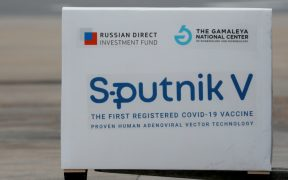 sputnik-vacuna-astrazeneca-reuters