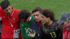 Ochoa reunió al equipo tras el partido ante Sudáfrica e instó a sus compañeros a repetir su actuación. (Captura de video).