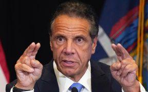 Migrantes exigen a gobernador de Nueva York que les facilite acceso a apoyo económico