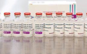 Descartan riesgo de trombos tras aplicación de segunda dosis de la vacuna contra Covid de AstraZeneca