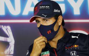 'Checo' Pérez reconoció que ve su futuro en Red Bull. (Foto: Reuters).