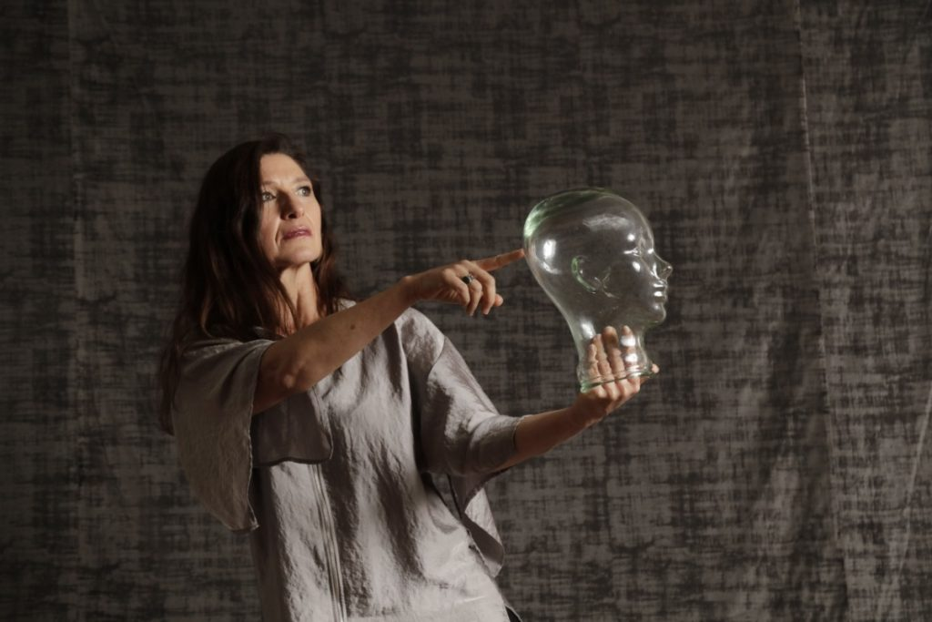 La bailarina y coreógrafa Claudia Lavista ofrecerá taller virtual para estudiantes de danza; aquí los detalles