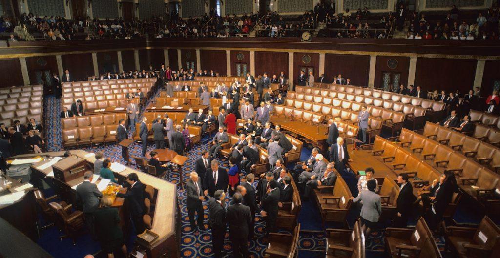 Congreso de EU aprueba plan para financiar al gobierno hasta el 3 de diciembre; lo envían a Biden