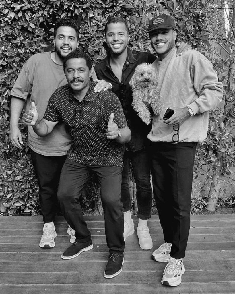 Zizinho, junto a sus hijos Eder, Giovani y Jonathan. (Foto: @giooficial).