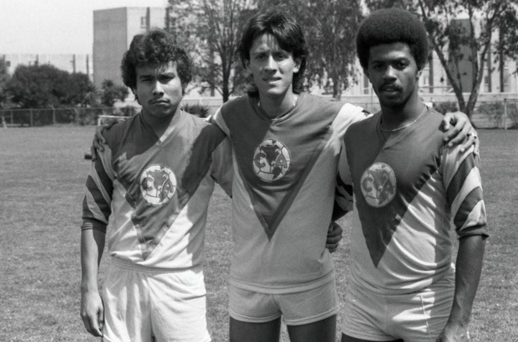 Zizinho, en 1984 con el América, junto al 'Fany' Munguía y Rubén Abarca. (Foto: Mexsport).