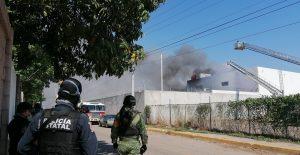 Se registra incendio en instalaciones de la FGR en Culiacán, Sinaloa
