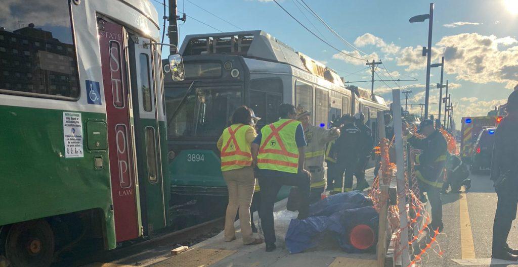 Choque de dos trenes en Boston deja al menos 25 heridos