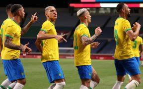 Así festejó Brasil su gol ante Egipto y el pase a la semifinal ante México. (Foto: Reuters).