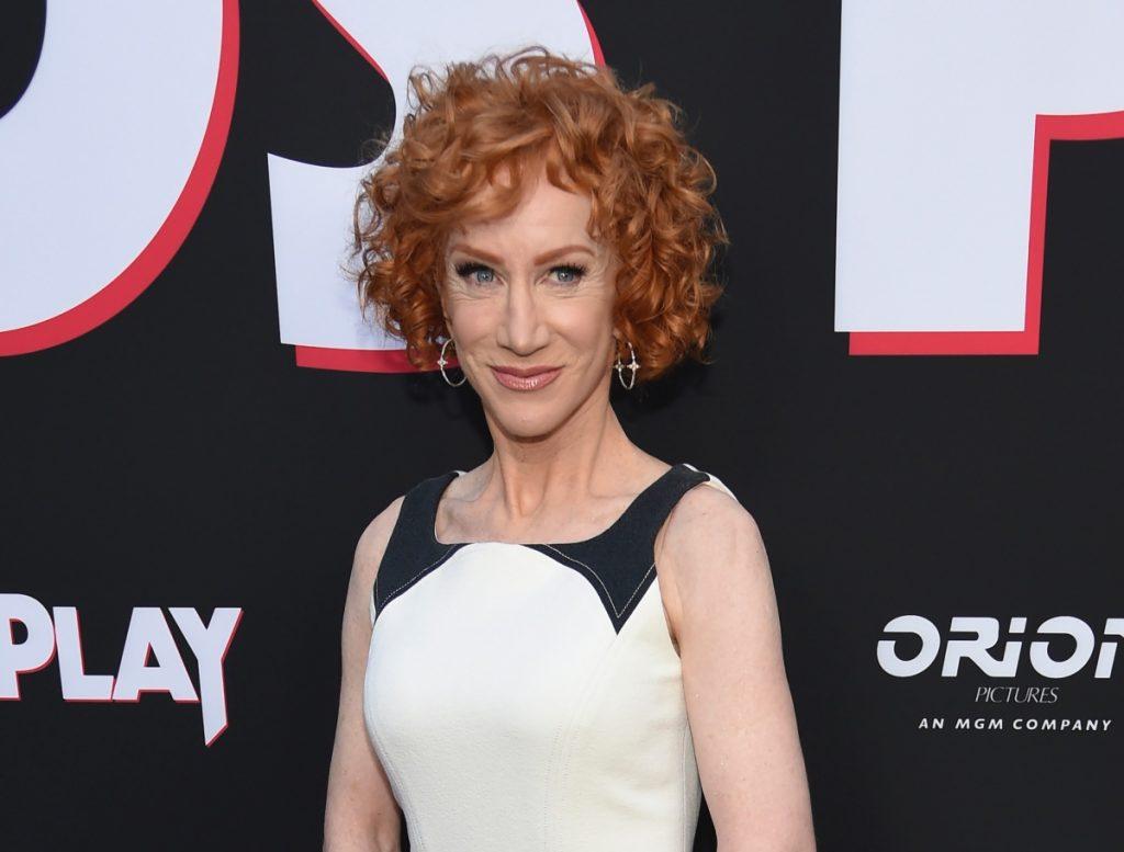 La comediante Kathy Griffin reveló que tiene cáncer de pulmón pese a nunca haber fumado