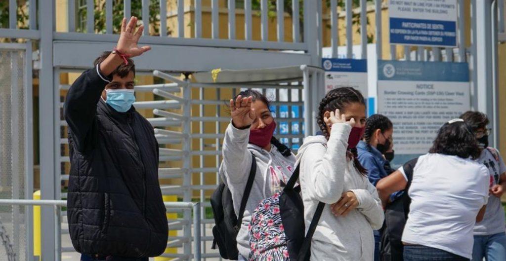 EU alista plan de vacunación contra Covid-19 a migrantes en la frontera