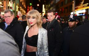 """""""Todos aprendimos de ti"""", dice Taylor Swift a Simone Biles"""