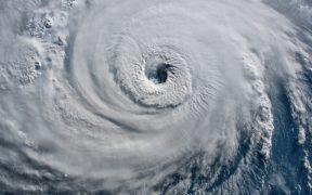 NOAA pronostica hasta 10 huracanes en el Atlántico para 2021