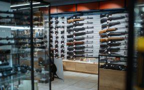 Fabricantes eligen continuar abasteciendo mercado criminal de armas en México, responde SRE a la situación de armas de EU tras presentar demanda