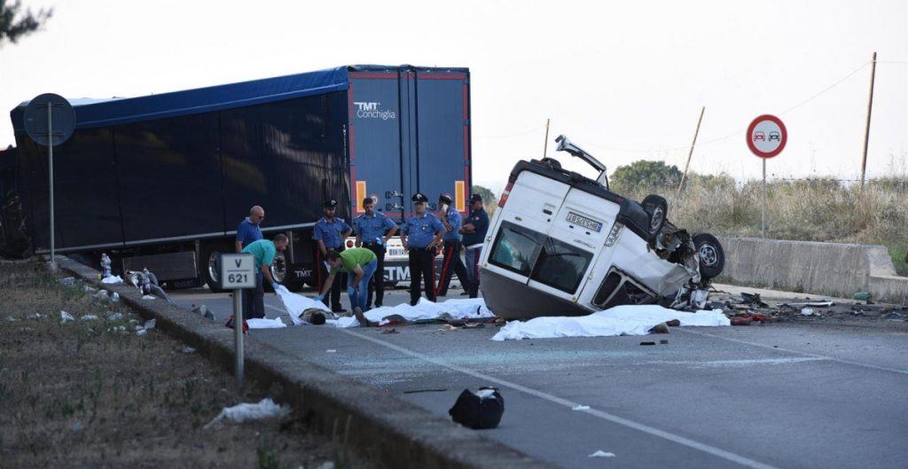 Al menos 3 mexicanos, entre los 10 muertos de accidente de camioneta en Texas