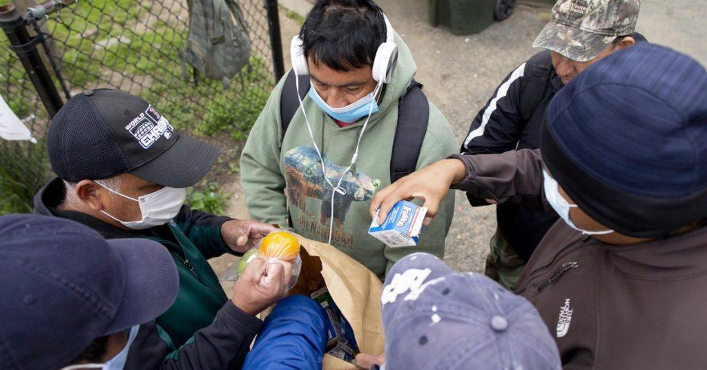EU comienza a enviar a familias migrantes a México lejos de la frontera, revela fuente