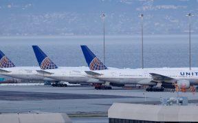 Aerolíneas de EU descartan exigir a empleados vacunarse contra Covid