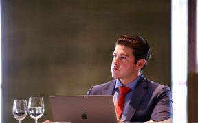 Samuel García, gobernador electo de Nuevo León, anuncia caravanas de vacunación contra Covid