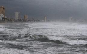 Linda evoluciona a huracán categoría 1; dejará fuertes lluvias en costas mexicanas: SMN