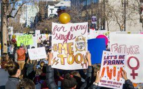 El movimiento #MeToo vuelve a tomar fuerza tras la renuncia de Cuomo, acusado de acoso sexual