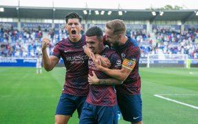 El Huesca celebra su primer gol frente al Eibar. (Foto: @SDHuesca).
