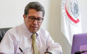Monreal presenta propuesta de pregunta para revocación de mandato