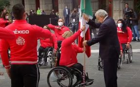 El presidente Andrés Manuel López Obrador abanderó a la delegación mexicana que competirá en los Juegos Paralímpicos de Tokio. (Captura de video).