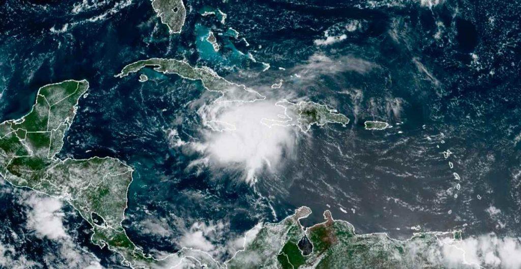 Tormenta 'Grace' se fortalece a su paso por el sur de Jamaica en su trayecto hacia Yucatán