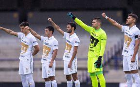 Freire (a la derecha) confia en un despertar de los Pumas. (Foto: Mexsport).