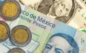 Se debilita la moneda mexicana; dólar se vende en 20.86 pesos
