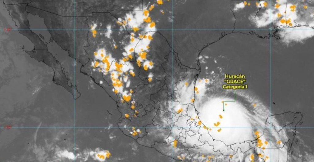 """""""Grace"""" se convierte en huracán categoría 2 antes de tocar tierra en Veracruz"""