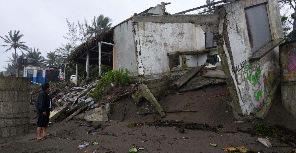 Huracán 'Grace' deja 8 muertos en Veracruz, informa el gobernador