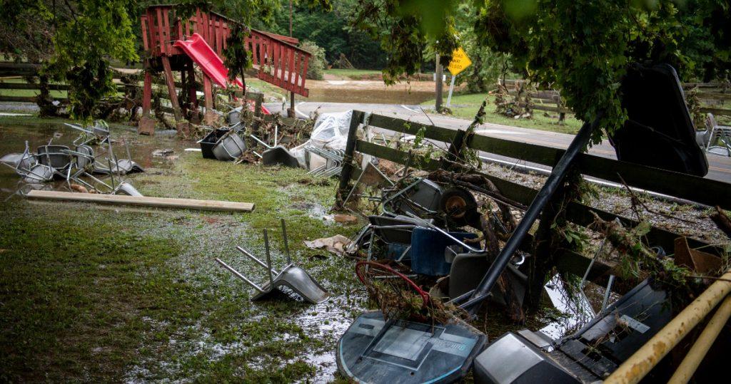 Lluvias dejan 8 muertos y decenas desaparecidos en Tennessee