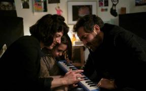'Todo va a estar bien', la serie que dirigió Diego Luna, entre las más vistas de Netflix