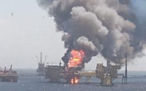 Reportan incendio de plataforma marina Ku-Alfa de Pemex en Campeche