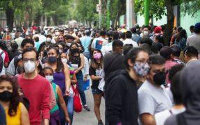 """""""Todas las vacunas son buenas"""", asegura Sheinbaum tras aglomeraciones en Xochimilco por cambio de Pfizer a Sinovac"""