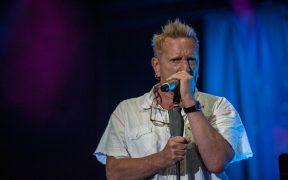 John Lydon, ex líder de Sex Pistols pierde batalla legal por el uso de sus canciones