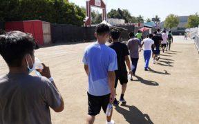Más de 700 niños pasaron 3 semanas o más en refugios de emergencia fronterizos