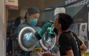 Casi la mitad de hospitalizados por Covid mantiene algún síntoma hasta un año después, según estudio realizado en Wuhan